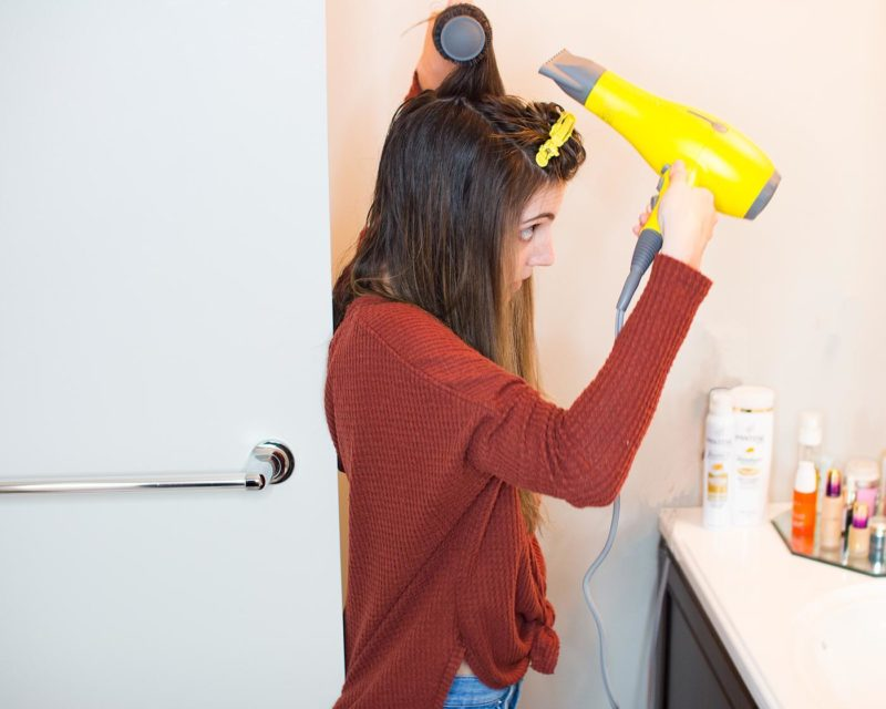 How to give yourself a DIY Blowout.